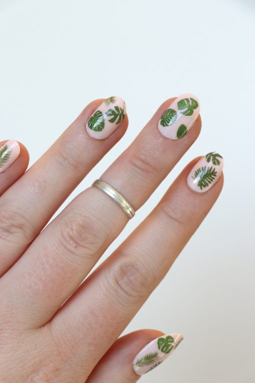 Green leaf nail decals / green leaves nail stickers