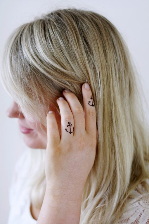 Small anchor finger tattoo (4 pieces)