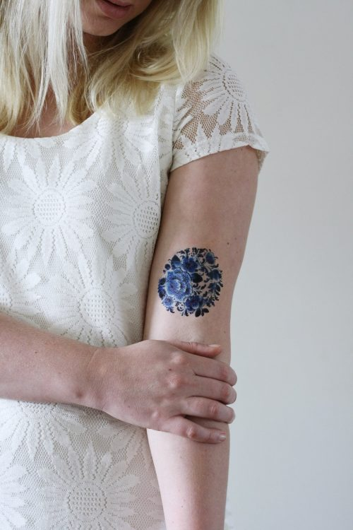 Delfts Blue round tattoo