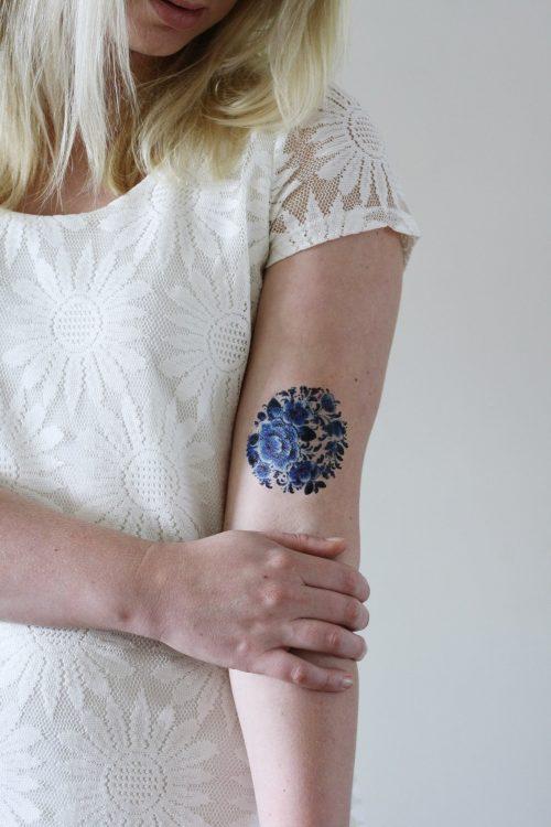 Delfts Blue round tattoo