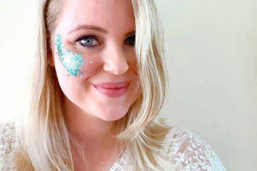 Biodegradable chunky face glitter in 'Ocean'