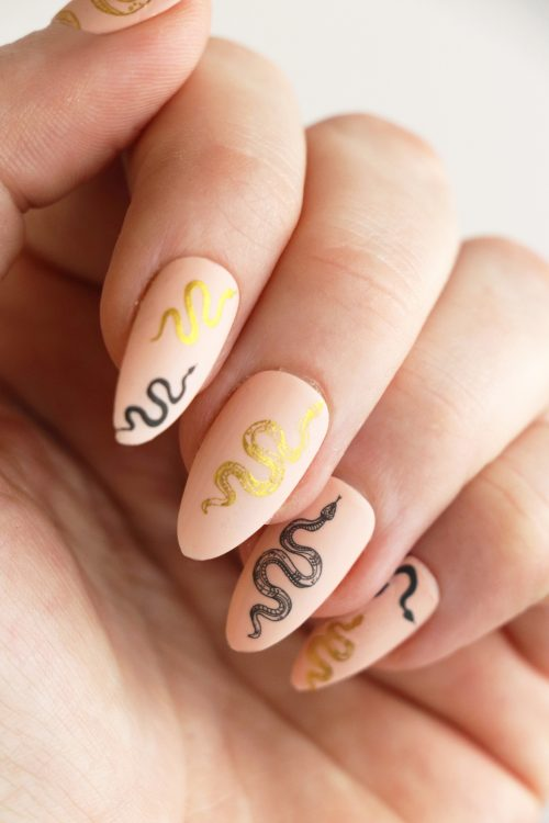 Black and gold snake nail decals / snake nail tattoos / nail art / snake nails / snakes nail decals / snake nail art / N61