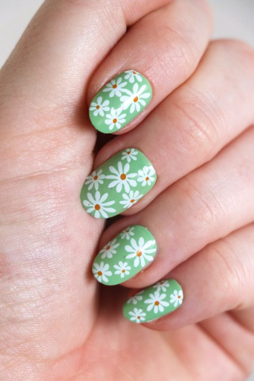 daisy nail tattoos / flower nail decals / nail art / floral nails / floral nail decals / flower nail art / daisies nail decals