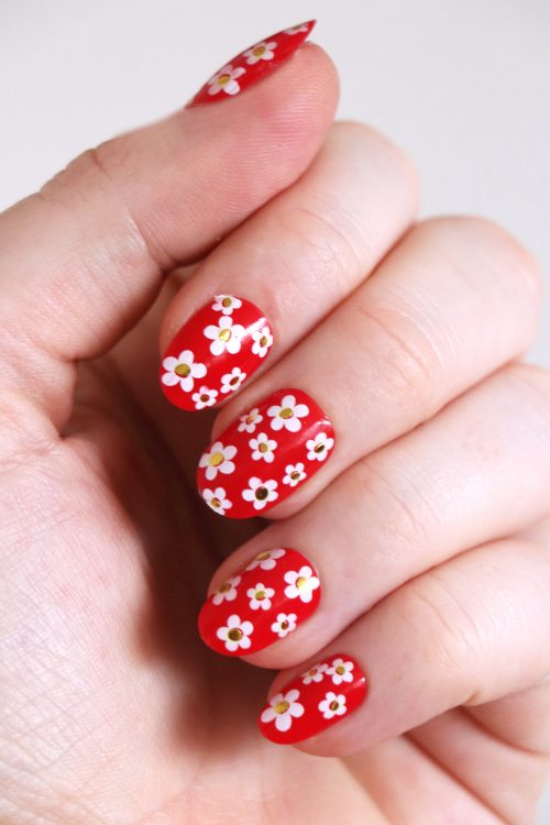 White and gold flower nail decals / flower nail decals / nail art / floral nails / floral nail decals / flower nail art / N85