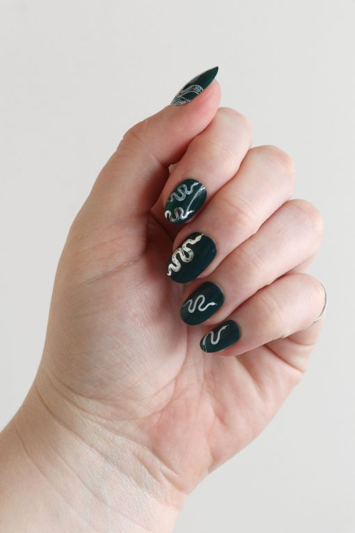 White and silver snake nail decals / snake nail tattoos / nail art / snake nails / snakes nail decals / snake nail art / N81