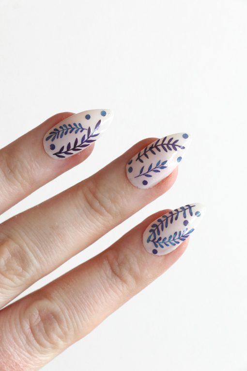 Blue leaves nail tattoos / Delft blue leaf nail decals / nail art / botanical nails / leaf nail decals / Delft blue nail decals / N56