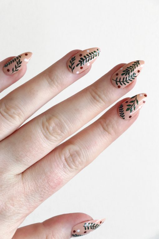 Mistletoe leaves nail tattoos / misteltoe nail decals / nail art / botanical nails / leaf nail decals / Christmas nail decals / N76