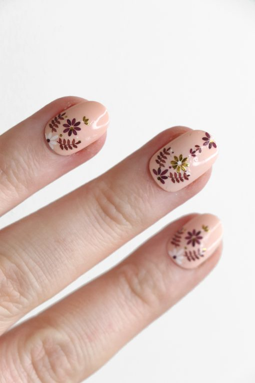 Red, white and gold floral pattern nail decals / flower nail decals / nail art / floral nails / floral nail decals / flower nail art / N87
